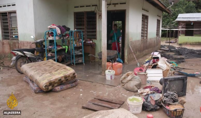 Malaysia floods: At least 3 dead, over 30,000 evacuated | JPNN.us
